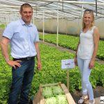 Magdalena i Damian Jędrychowie - gospodarze spotkania, producenci sałaty i rzodkiewki