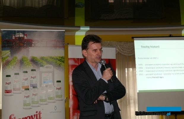 Bogatą gamę nawozów dla profesjonalistów omówił Ryszard Przybylski z Grupy Inco (AW)