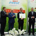 Jeden ze Zlotych Medali MTP odebrał za Agrowłókninę z technologią Agro Marina Tomasz Piotrów z firmy AGRIMPEX (1. z lewej wiceprezes MTP T. Kobierski, obok przew. sądu konkursowego prof. G. Skrzypczak, 1. z prawej wiceprezydent Poznania M. Wudarski_Gardenia 2017