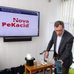 Tomasz-Pisulewski_ICL_demonstruje efekty działania produktu Nova PeKacid