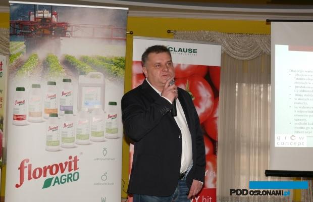 O tunelowej uprawie warzyw w podłożu kokosowym mówił Piotr Słomiany z firmy Grow Concept (AW)