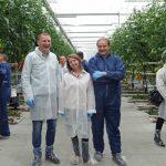 W konferencji uczestniczyli m.in. przedstawiciele firm nasiennych - od lewej Marcin Grosner z Syngenty, Agnieszka Wiśniewska z firmy Enza Zaden oraz Piotr Zawada (Rol-Spec - przedstawiciel Nongwoo Bio), AW