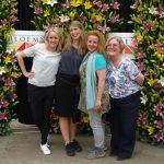 3 florystki: Geertje Stienstra, Lily Beelen i Sara-Lisa Ludvigsson oraz Alison Bradley - spiritus movens organizacji Floral Fundamentals promującej kwiaty