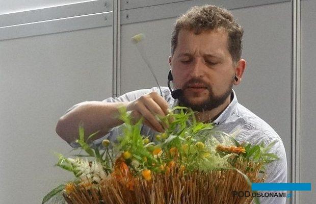 Tomasz Max Kuczyński podczas pokazów florystycznych na Flower Expo Poland 2016