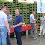 Organizatorzy spotkania z firm Cultilene i Yara w gospodarstwie rodziny Floriańczyk
