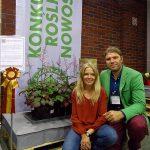 Bianka i Przemysław Godlewscy obok tawułki COLOR FLASH, za którą otrzymali złoty medal wystawy Zielen to Zycie 2017