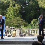 Przewodniczącym kapituły nagrody Wzorowy Ogrodnik jest profesor Andrej Komosa z Uniwersytetu Przyrodniczego w Poznaniu (z lewej), przewodniczącym komisji konkursowej - Stanisław Zabarski, dyrektor Dni Ogrodnika - Targów Międzynarodowych
