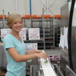 Amerykańskie studentki odbywające praktykę w firmie JMP Flowers w Stężycy: Annie Fulton