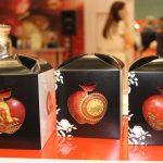 Stoisko polskie to nadal głównie jabłka - m.in. jabłka grójeckie w gustownej oprawie