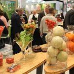 Przy stoisku firmy Enza Zaden, gustownie udekorowanym produktami firmy, znajdowało się również...