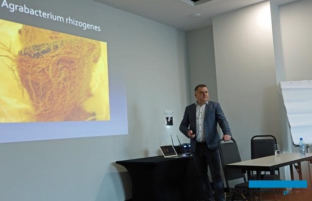 O chorobach pomidorów mówił Piotr Słomiany z firmy Grow Concept