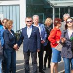Gospodarz spotkania, Jarosław Ptaszek (w środku) podczas spotkania FBN Poland w Stężycy, w firmie JMP Flowers