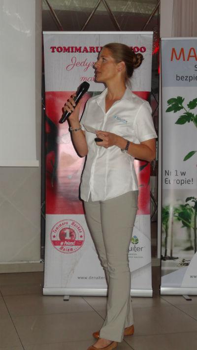 Sylwia Domańska z firmy Bioline omówiła szkodliwość skośnika pomidorowego (Tuta ansoluta) i możliwości jego zwalczania