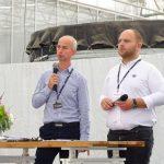 Gosodarze dni otwartych Paweł Pychyński (z prawej) i Tomasz Soberka otwierają seminarium dla ogrodników...