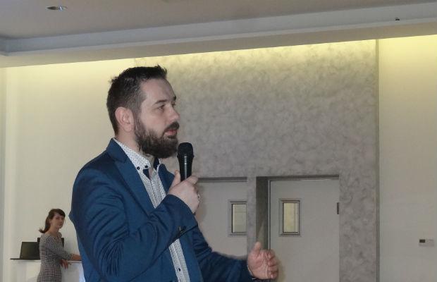 Zagadnienia dotyczące ochrony biologicznej omówił Paweł Kloc z firmy Koppert