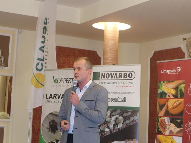 O możliwościach biologicznej ochrony papryki mówił Tomasz Domański z firmy Koppert