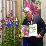 Arnaud Travers i jego nowy powojnik 'Nancy Jour de la Terre®_Salon du Vegetal 2019