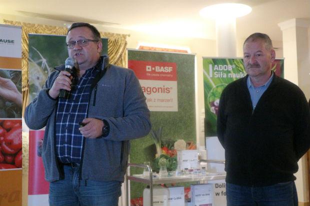 Reprezentanci Stowarzyszenia Producentów Papryki RP� z prawej Mirosław Łuska (prezes zarządu) z lewej Paweł Myziak (członek zarządu)