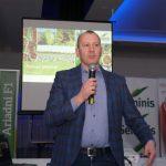 Spotkanie otworzył Marek Pankowski z firmy Rol-Mar, zaopatrującej ogrodników w środki produkcji