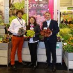 Vitroflora (na zdjęciu: Aleksander Michalik, Agnieszka Pawlak-Anhalt i Tomasz Michalik) promowała m.in. nowe koncepcje dotyczące sprzedaży żurawek_IPM Essen 2020_