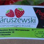 Tak wygląda etykieta przyklejana na tekturowych łubiankach z owocami