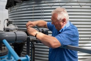 René Denis od 36 lat korzysta przy produkcji roślin z wody deszczowej oraz stosuje obieg zamknięty pożywki nawozowej, fot. Ivan De Clercq