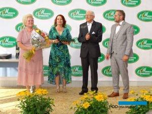 Założyciele, a także obecni właściciele Ogrodnictwa Nowaccy podczas obchodów jego 40-lecia (od lewej): Danuta, Beata, Jan i Mariusz Nowaccy, fot. A. Cecot