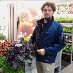 Aleksander Michalik prezentuje zurawke Rex Black_Vitroflora_ZielenToZycie2021_fot_AC