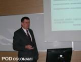 Prof. dr hab. Sławomir Kurpaska przedstawił analizę zapotrzebowania na ciepło szklarni w zależności od rodzaju szkła użytego do jej pokrycia
