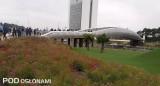 Na potrzeby wystawy wybudowano nad autostradą most, który pozostanie po jej zakończeniu, fot. 1-18 A. Cecot